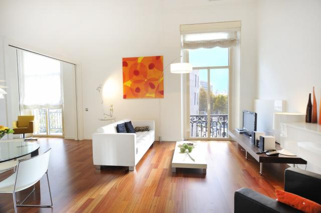 Modern and Lovely Apartment with a spectacular view of the Plaza Catalunya – B305